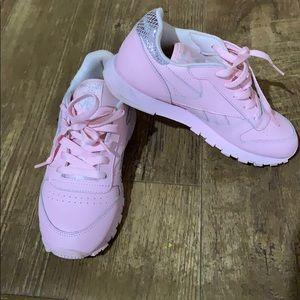 baby pink reebok classic